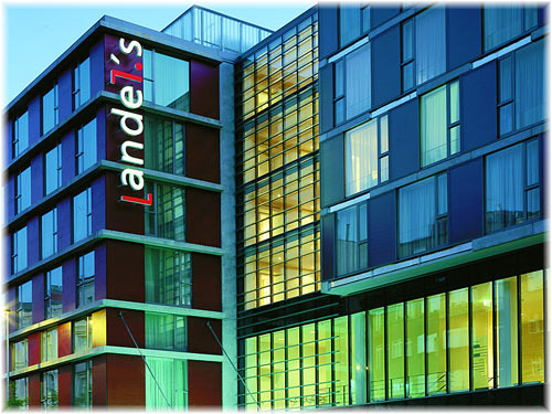 Andel 39 s hotel prague prague guide for Modern design hotel prague