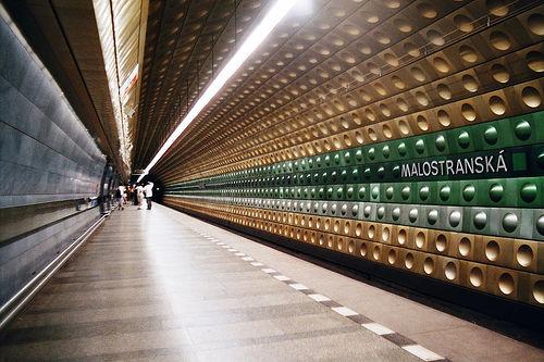 http://www.prague-guide.co.uk/images/metro1.jpg