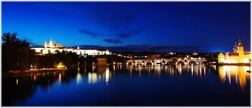 prague_atnight.jpg